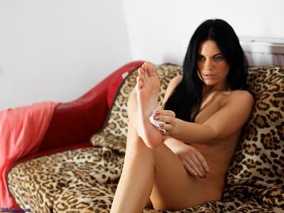 Emily symons nude