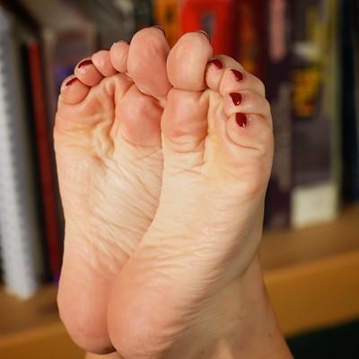 Bare foot fetish silk soles photo free